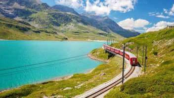 Riparte il meraviglioso Trenino Rosso del Bernina