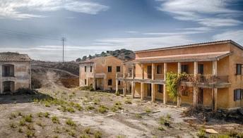 Borgo Borzellino, il paese fantasma più spettrale d'Italia