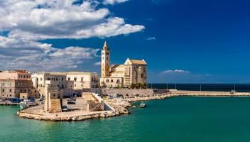 Trani, l'elegante città in riva al mare