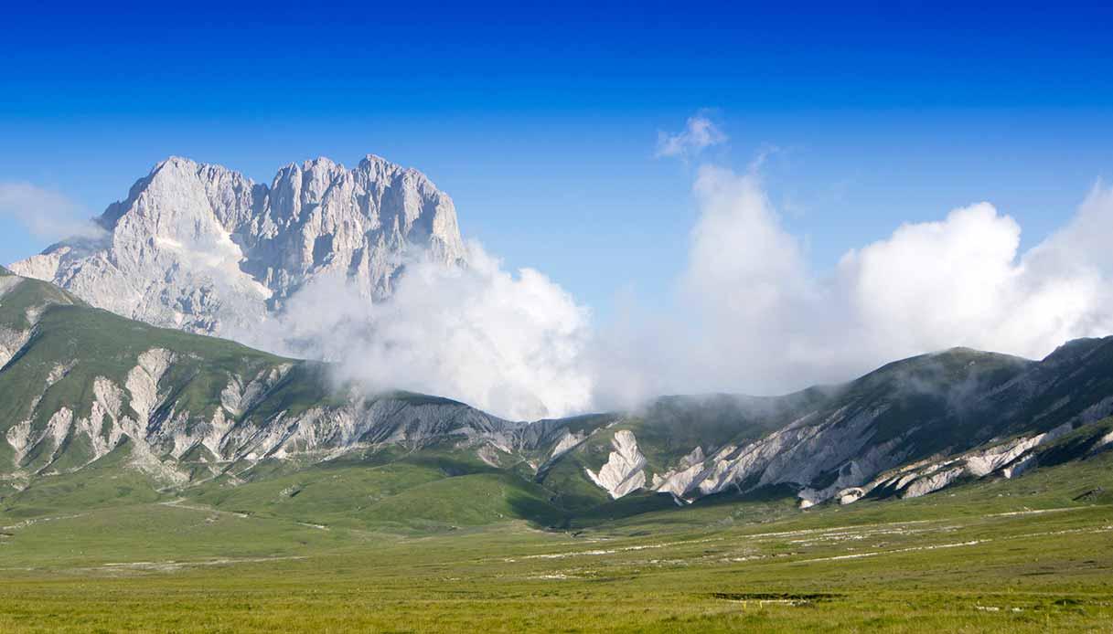 Il Gran Sasso con nuvole basse