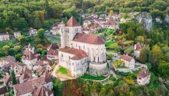 Il borgo più bello di Francia che ha stregato André Breton